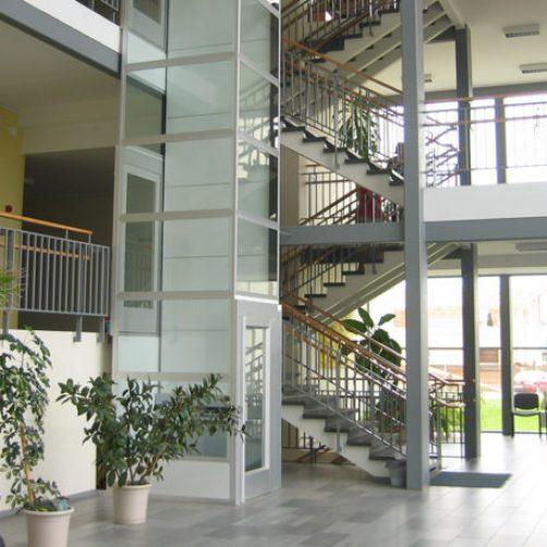 platform-lift-cibes-a5000-space-efficient-700x1170px-768x459